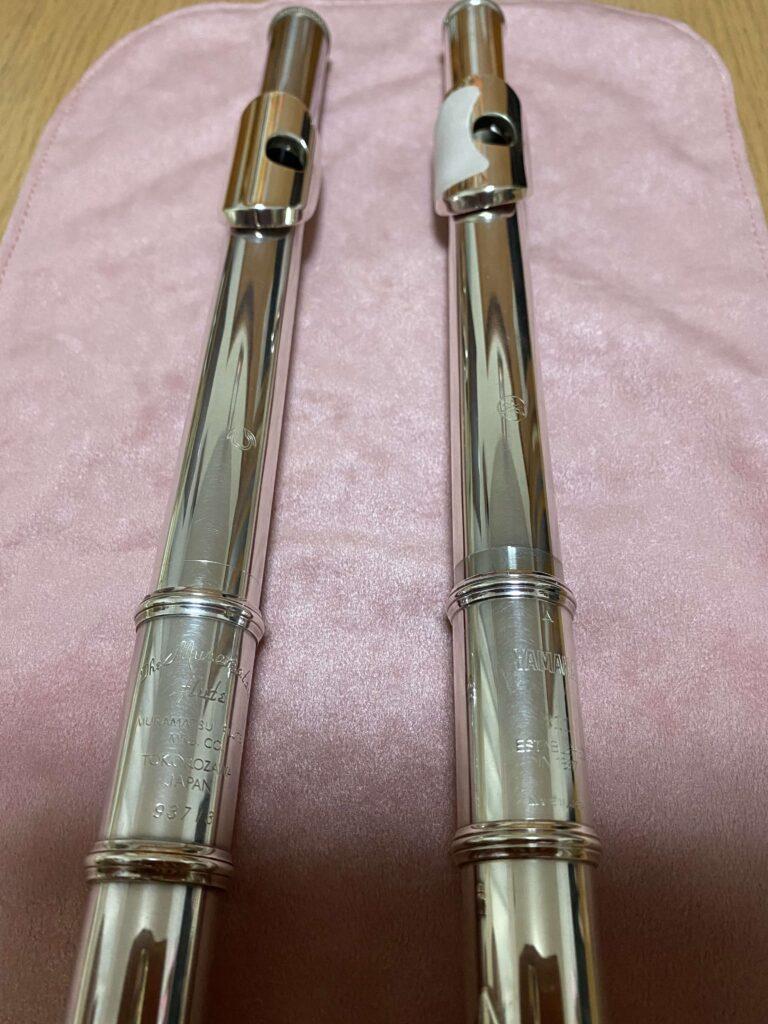 ヤマハYFL211とムラマツ総銀製DSフルートの頭部管部分を並べて撮影しました
